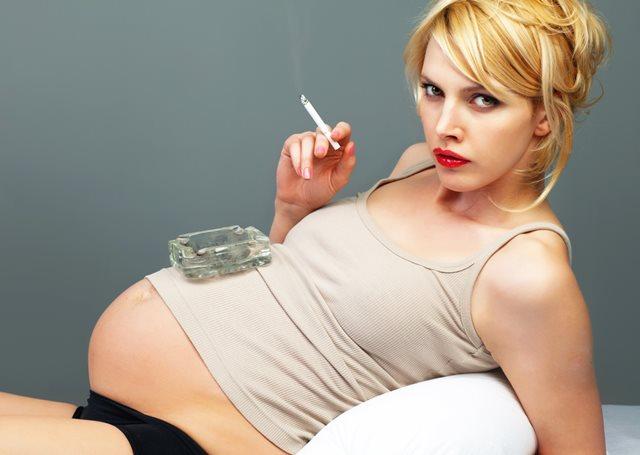 hamilelikte-sigaranin-zararlari